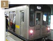 名古屋駅方面から乗車の場合、先頭車両に乗ってください。