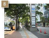 直進すると次の信号が「中区役所」、その次の信号「広小路東栄」の角に当ホテルがございます。