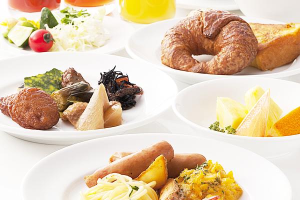 大分名物「とり天」をはじめとした<br />大分ならではの食材で<br />美味しい朝食をご提供