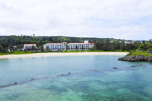 海と緑に囲まれたリゾートホテル<br />目の前に広がる天然ビーチ