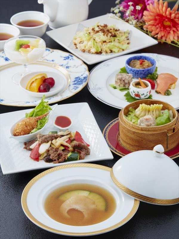 フカヒレの姿煮コース【8/1〜8/31】 3,800円(税別)