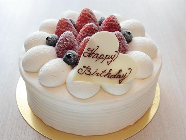 【デコレーションケーキ】ちょっとした手土産やお誕生日お祝い用ケーキにいかがですか。