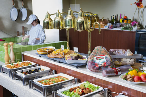ベストウェスタンレンブラントホテル鹿児島リゾート|レストラン フォーリーフガーデン