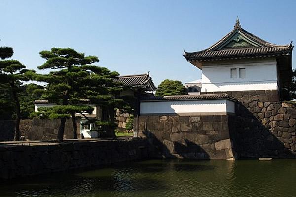 皇居外苑(所要時間20分)