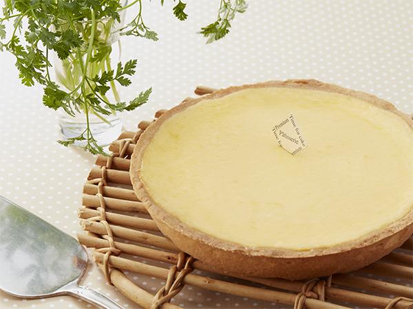 【カマンベールチーズケーキ】 1,800円(税別)