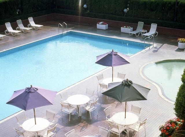 【夏限定】屋外スパ&プールでリゾート気分♪