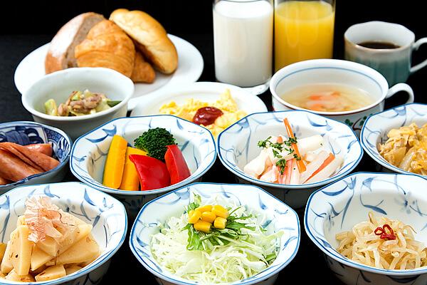 山形県産米つや姫を使用した大人気のご朝食