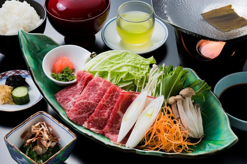 和牛しゃぶしゃぶ鍋ランチ 1.600円(税別)