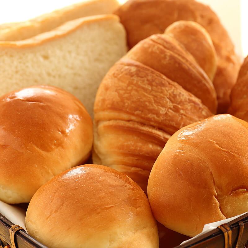 パン5種 サラダランチビュッフェ ベストウェスタンプラス ホテルフィーノ大阪北浜