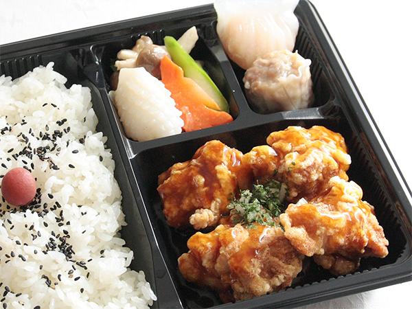 ⑬油淋鶏(ユーリンチー)弁当 900円